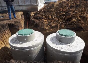 купить септик для дома, монтаж бетонного септика из колец